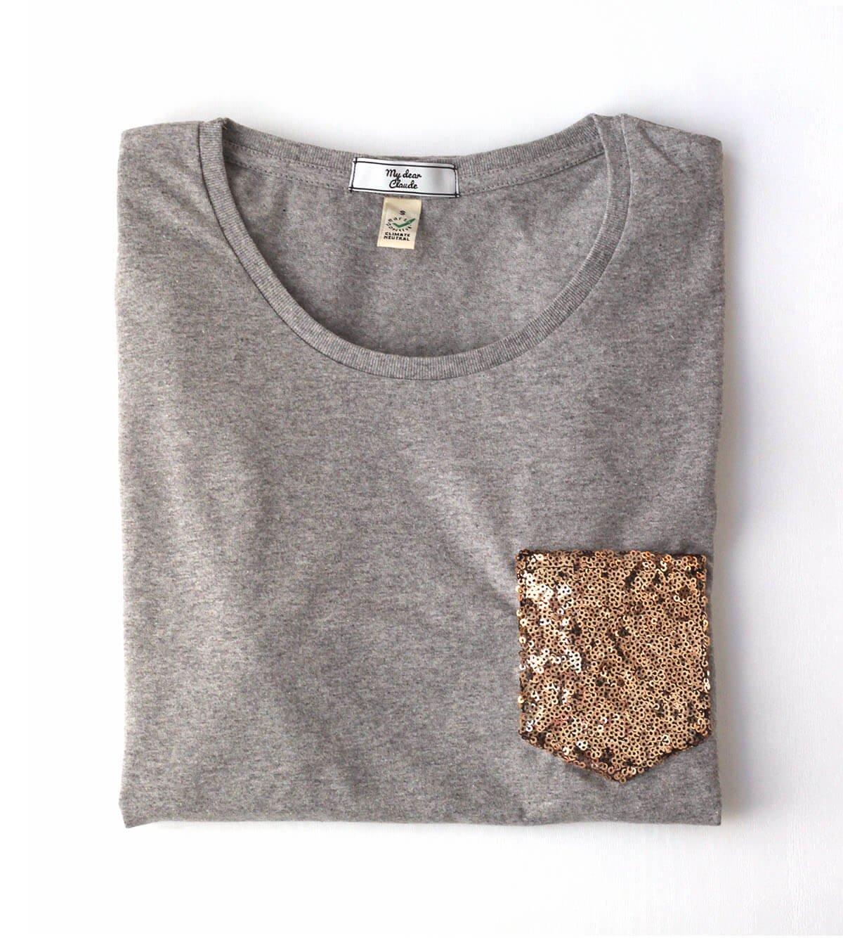 t-shirt gris chiné coton bio avec poche à paillettes dorées